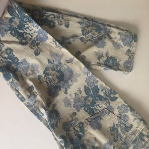 New Floral Mossimo Jeans, with back pockets